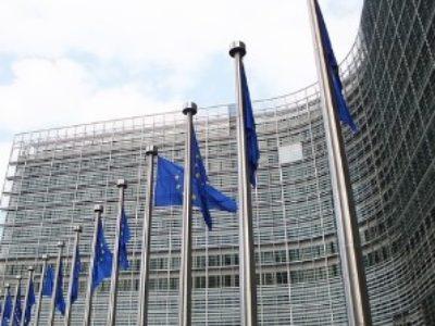 unión-europea-banderas-pequeña